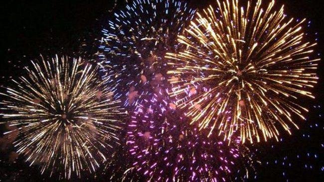 fuochi-d-artificio-generiche-555161.610x431-650x366